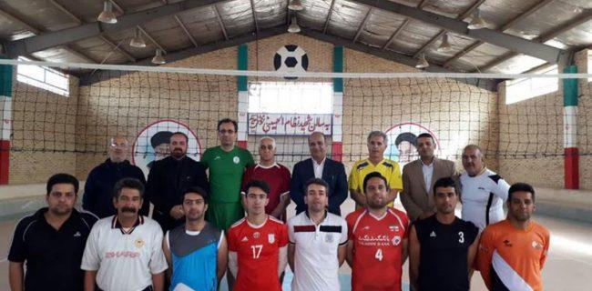 جشن ورزشی ورزشکاران عزآباد در سالروز پیروزی انقلاب