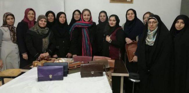 دوره های آموزشی صنایع دستی فصل زمستان درشهرستان برگزارشد